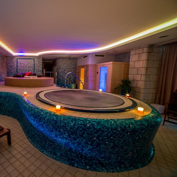 Blue spa - square